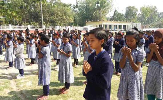 নাটোরে ক্ষুদে শিক্ষার্থীদের প্রার্থনায় পলান সরকার