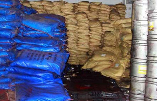 পুরান ঢাকায় কেমিক্যাল গুদাম বিরোধী অভিযানে ব্যবসায়ীদের বাধা