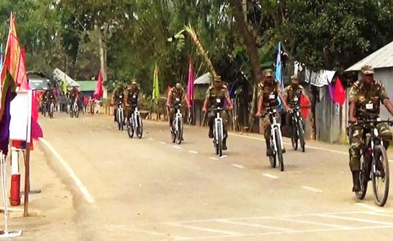সীমান্ত দিয়ে বাংলাদেশে ভারতীয় সেনাবাহিনীর সাইক্লিং দল