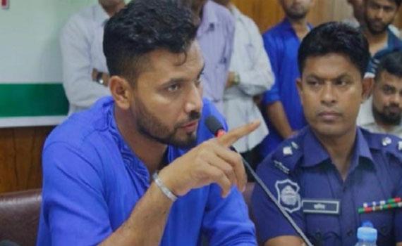 ফাইল রেডি করছি, নিজেই সরকারি কর্মকর্তার বিরুদ্ধে দুদকে মামলা করব মাশরাফি