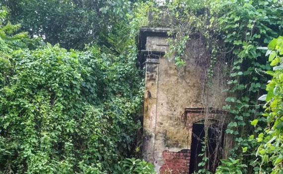 দালাল বাজার এক ইতিহাসের হাতছানি