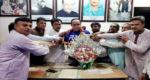মোস্তাফিজুর রহমান এমপি'কে ফুলের শুভেচ্ছা জানিয়েছেন মিয়ার বাজার নব-নির্বাচিত কমিটি