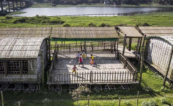 'বাঁশ দিয়ে নির্মিত' বাংলাদেশের সেই স্কুল পেল আন্তর্জাতিক পুরস্কার